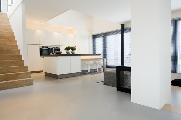 Stucadoor nieuwbouw uw stucspecialist voor nieuwbouwwoningen - Interieur houten trap ...